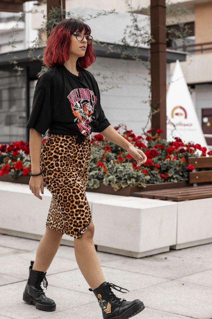Camiseta estampada y leopardo